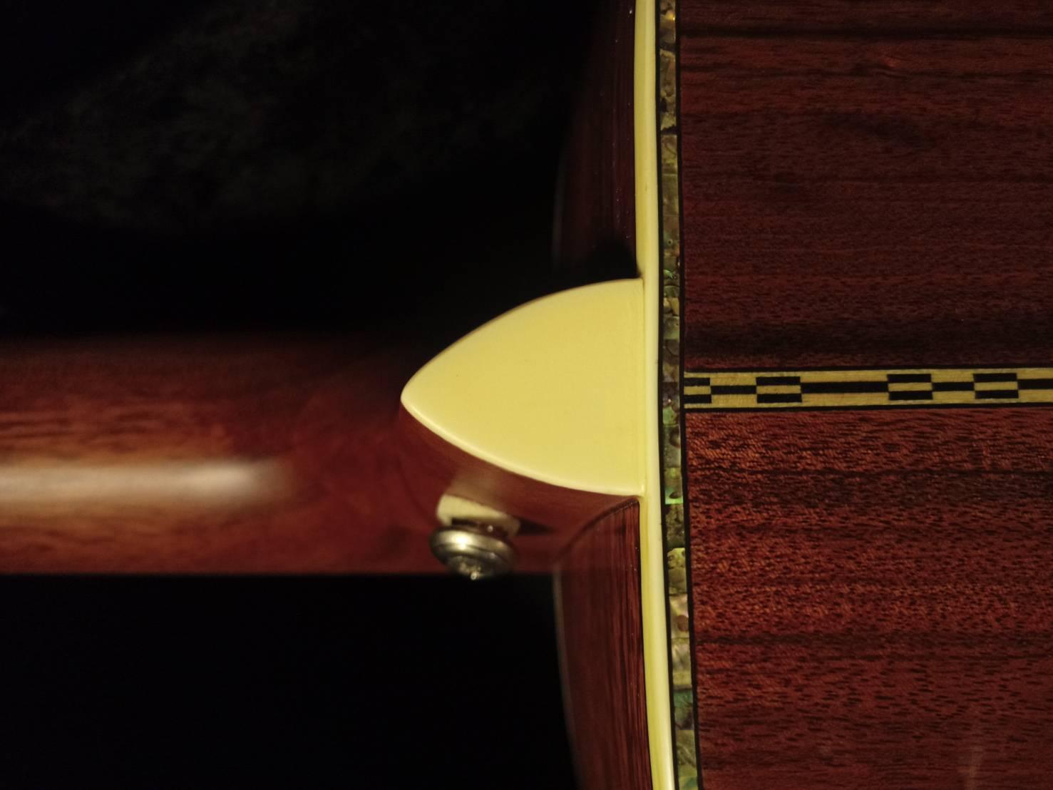 歐洲雲杉胡桃木旅行加振全單吉他