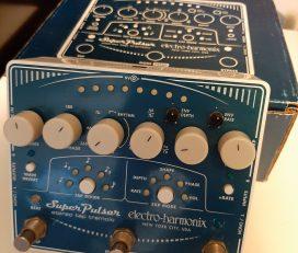 Electro-Harmonix Super Pulsar tremolo